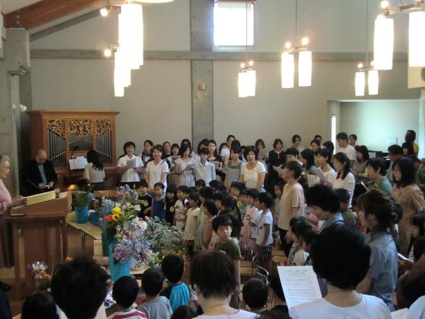 子どもの日花の日礼拝_e0209845_3481897.jpg