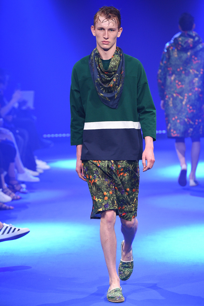 White Mountaineering & ADIDAS BY WHITE MOUNTAINEERING - S/S 2017 Runway Show._f0020773_19364932.jpg
