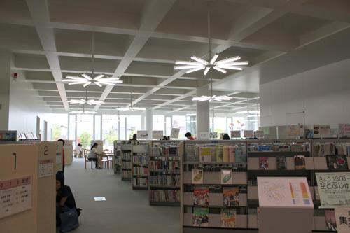金沢海みらい図書館_a0166284_1110918.jpg