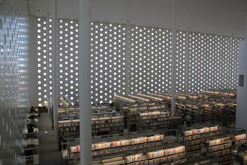 金沢海みらい図書館_a0166284_11131222.jpg
