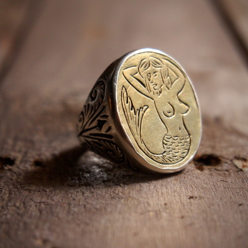 LHN  Mermaid Signet Ring_c0246125_16371171.jpg