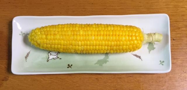 晩御飯はトウモロコシの丸茹で♪_c0316026_19542997.jpg