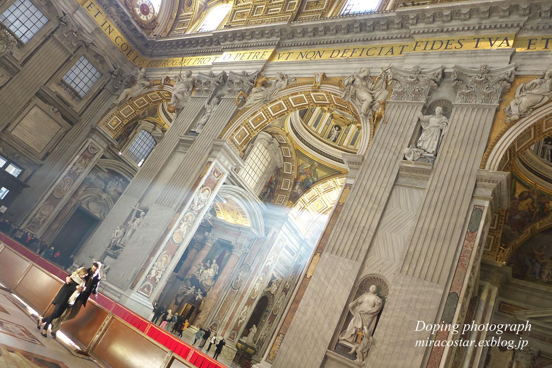 サン・ピエトロ大聖堂_e0140159_22214497.jpg