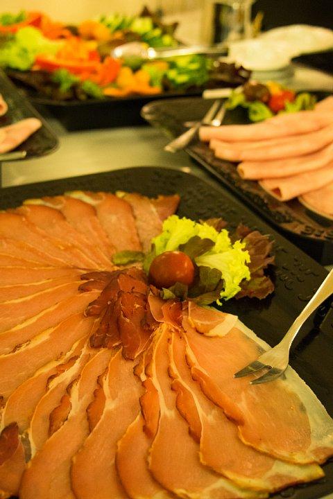 朝食が美味しいDuisburgの宿_d0353489_2115347.jpg