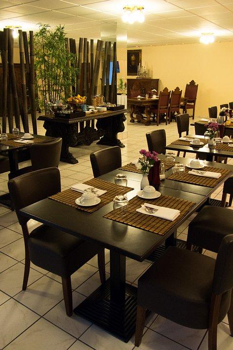 朝食が美味しいDuisburgの宿_d0353489_2128381.jpg