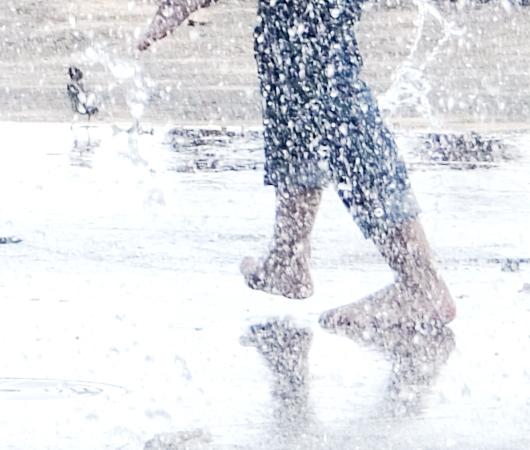 バッテリー・パークの噴水広場は「見る」より「遊ぶ」もの?!_b0007805_68060.jpg