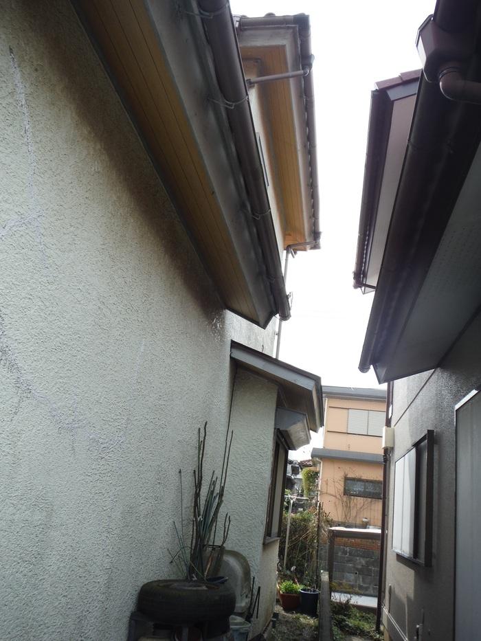 瓦屋根葺き替えと外壁塗り替え ~ ご依頼は。_d0165368_5172454.jpg
