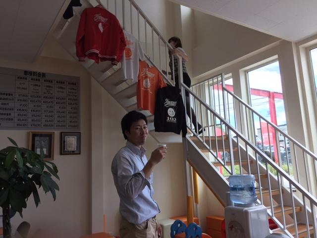 晴天の日曜日☆トミ店のニコニコブログ!ランクル ハマー アルファード☆_b0127002_18121042.jpg
