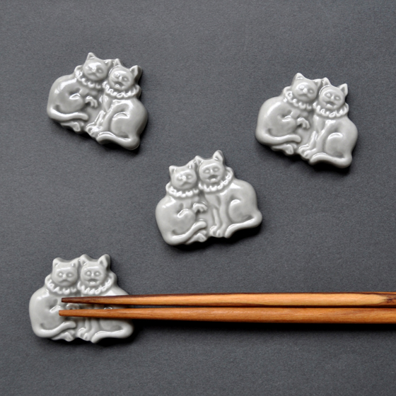 狛猫の箸置き / 波佐見焼_d0193211_19272928.jpg