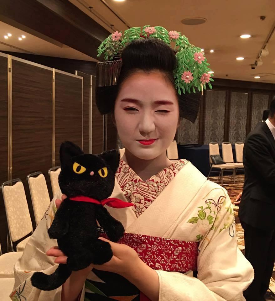 縁起。(えんおこし)★日本人のいい顔。東山のおねえさん_f0193056_13335884.jpg