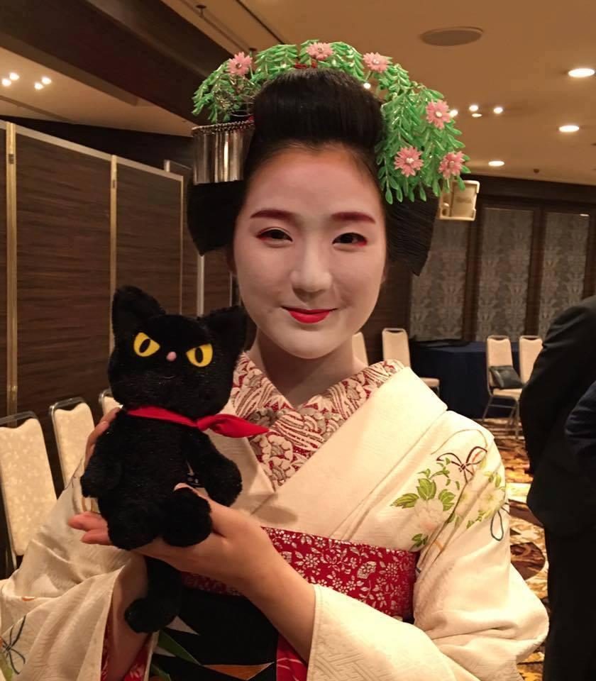 縁起。(えんおこし)★日本人のいい顔。東山のおねえさん_f0193056_13335976.jpg