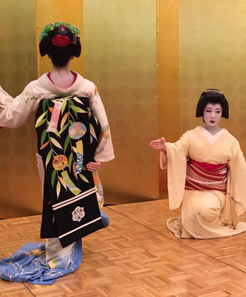 縁起。(えんおこし)★日本人のいい顔。東山のおねえさん_f0193056_13340000.jpg