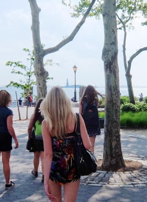 バッテリー・パークから眺める自由の女神さま、SeaGlass Carouselもできました_b0007805_21243454.jpg