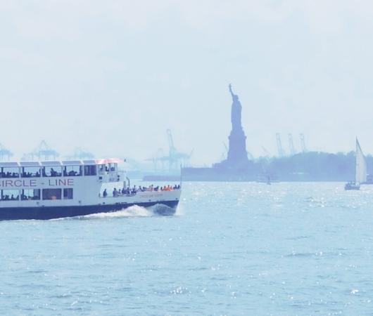 バッテリー・パークから眺める自由の女神さま、SeaGlass Carouselもできました_b0007805_2126749.jpg