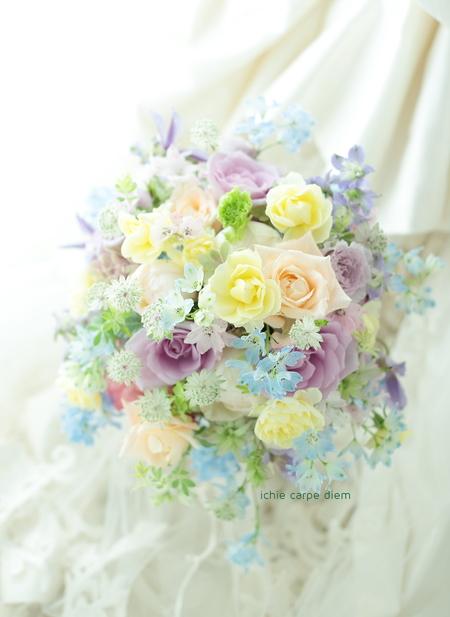 夏のブーケ ふんわりミックスカラー、ブルーをきかせて _a0042928_1257376.jpg