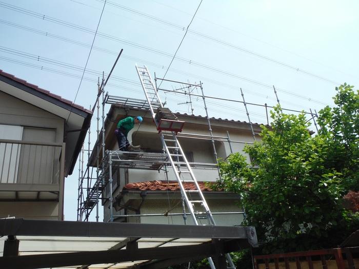 瓦屋根葺き替えと外壁塗り替え ~ 1階屋根瓦降ろしから_d0165368_5175783.jpg