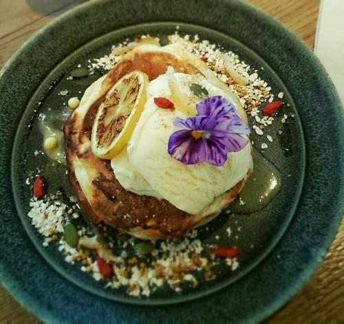 Me\'s CAFE&KITCHEN at METoA Ginza の極厚パンケーキ!_f0236260_22002130.jpg