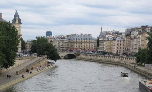 パリで一般講演_c0194469_189275.jpg