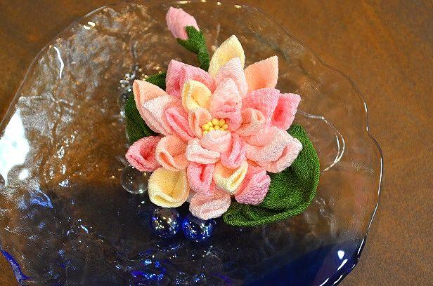 新作つまみ細工  色とりどりの帯留と蓮の花_d0230676_1445431.jpg