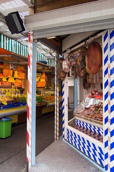 デュッセルドルフの常設青空市場_d0353489_2084794.jpg
