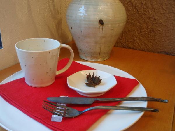 高橋亜紀子さんのマグカップ_b0132442_18433107.jpg