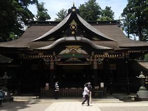 銚子銀座の藤村ベーカリーのパンを香取神宮境内でいただく_c0030645_19415249.jpg