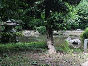 銚子銀座の藤村ベーカリーのパンを香取神宮境内でいただく_c0030645_1948572.jpg