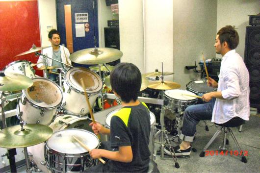 2016/7/7「阪急川西能勢口駅すぐのドラムスクール!」_e0242155_20223221.jpg