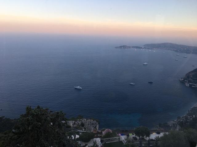南仏の旅2016~地中海の断崖の上・天空の迷宮都市エズ村で☆ミシュラン2ッ星_a0138976_14445033.jpg