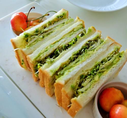 グリーンアスパラガスと枝豆、セミドライトマトのマリネ_b0145846_11252611.jpg