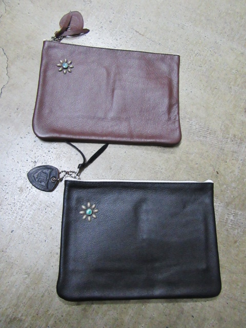 HTC ・・・ ONE STUDS LEATHER BRIEF CASE & 其れに合うSET!でのSLOW BAG!♪!_d0152280_20355432.jpg