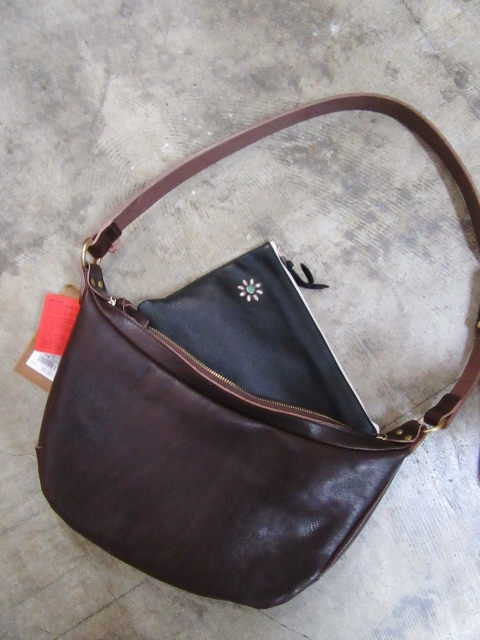 HTC ・・・ ONE STUDS LEATHER BRIEF CASE & 其れに合うSET!でのSLOW BAG!♪!_d0152280_20403131.jpg