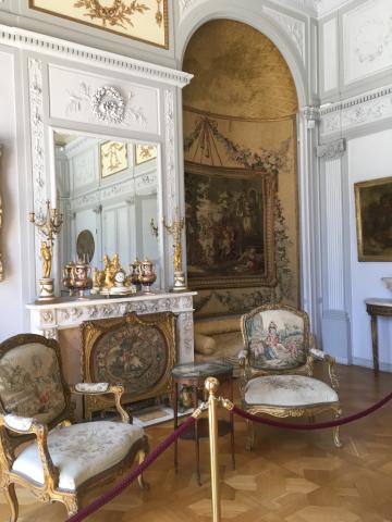 南仏 花の館 ロスチャイルド邸とコルビジェの別荘_c0195496_12472633.jpg