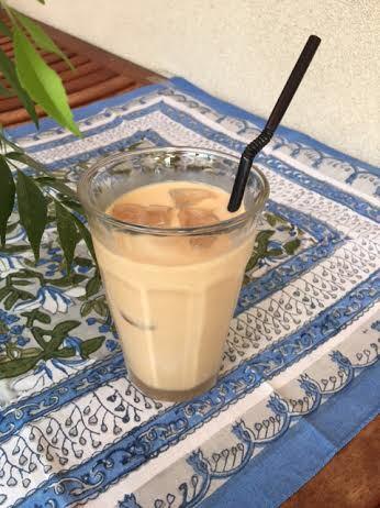 暑い日にアイスミントミルクティーをどうぞ。_e0145685_08023071.jpg