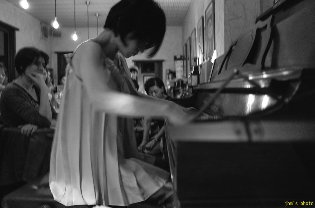 ピアニストとヴァイオリニスト_a0158797_2330348.jpg