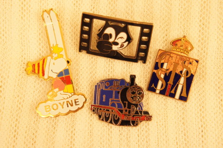 PINS, POP BROOCH_f0144612_10444819.jpg