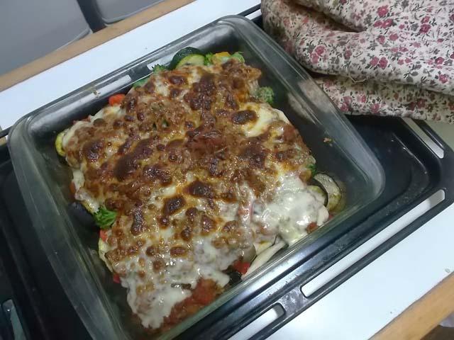 夏野菜のミートソースグラタン_f0019498_18543368.jpg