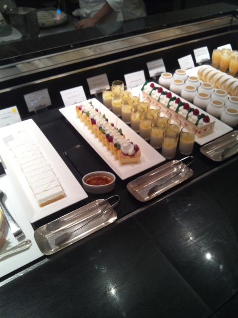 ウェスティンホテル東京 ザ・テラス チーズデザートブッフェ_f0076001_2350382.jpg
