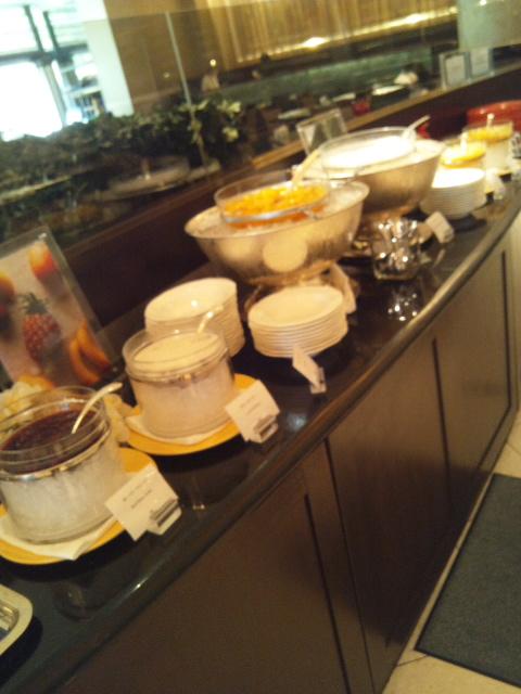 ウェスティンホテル東京 ザ・テラス チーズデザートブッフェ_f0076001_2355175.jpg
