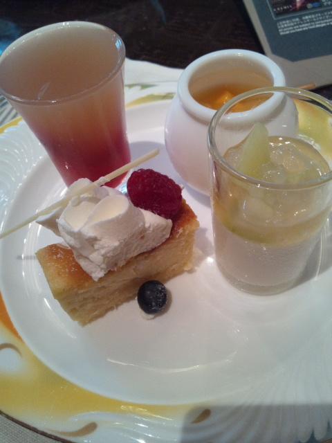 ウェスティンホテル東京 ザ・テラス チーズデザートブッフェ_f0076001_23592079.jpg
