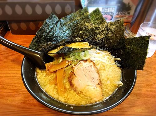 川出拉麺店(かわで  ラーメン)_e0292546_06044947.jpg