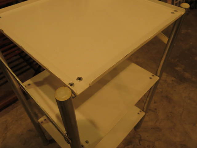 ""\""""SWISS ARMY SMALL TABLE WHITE/SILVER""""ってこんなこと。_c0140560_1625432.jpg""640|480|?|en|2|7e7c34eec0f0e6ad15d29469122a1310|False|UNLIKELY|0.32749274373054504