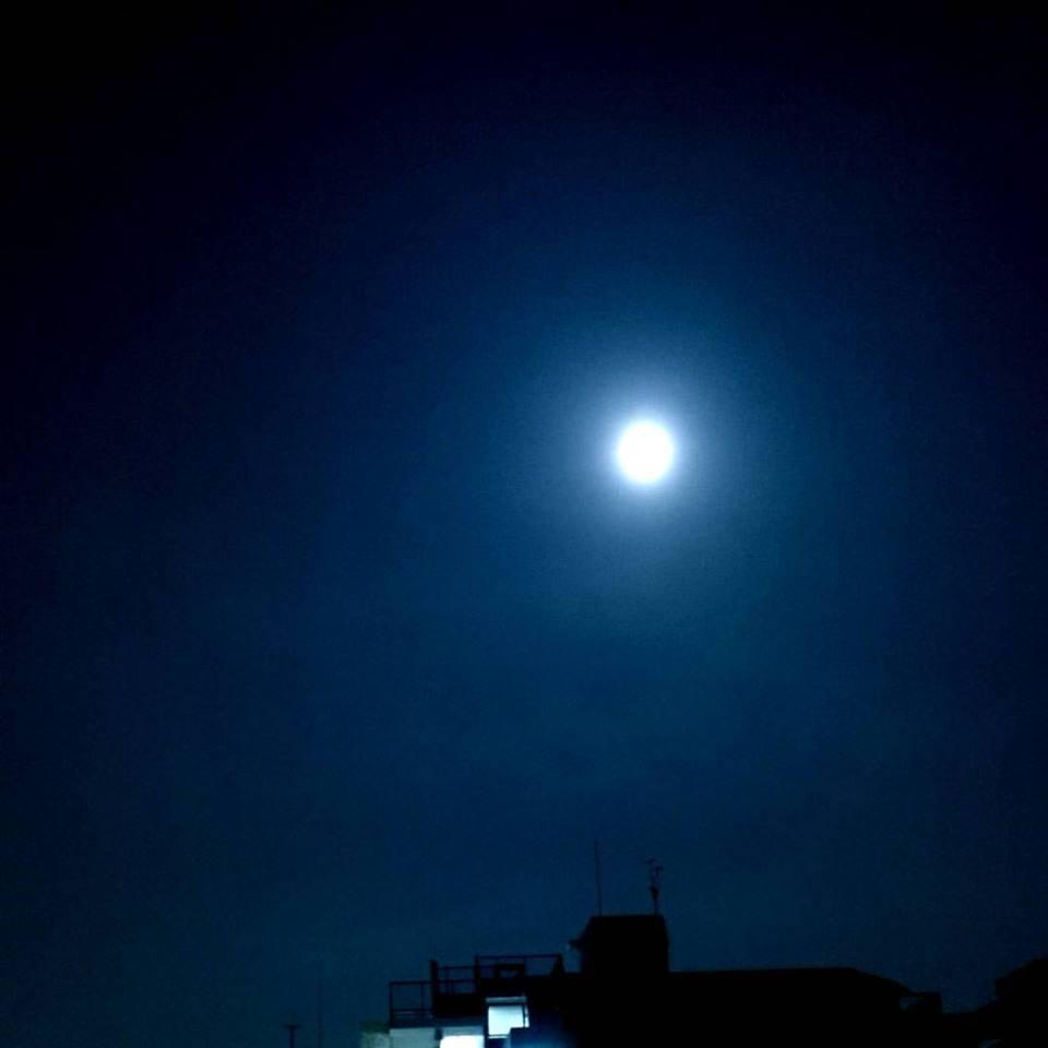 本日の満月_e0075673_957366.jpg
