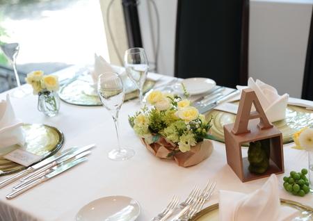 夏の装花 日比谷パレス様へ メイン高砂ソファの装花、レモンイエローで_a0042928_1301167.jpg