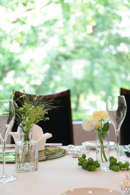 夏の装花 日比谷パレス様へ メイン高砂ソファの装花、レモンイエローで_a0042928_13112297.jpg