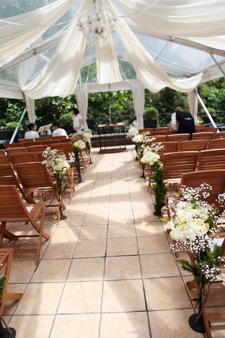 夏の装花 日比谷パレス様へ メイン高砂ソファの装花、レモンイエローで_a0042928_1321910.jpg
