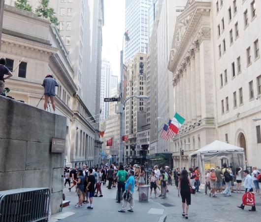 ロウアー・マンハッタン地区の名所、ウォール・ストリート沿い_b0007805_4271616.jpg