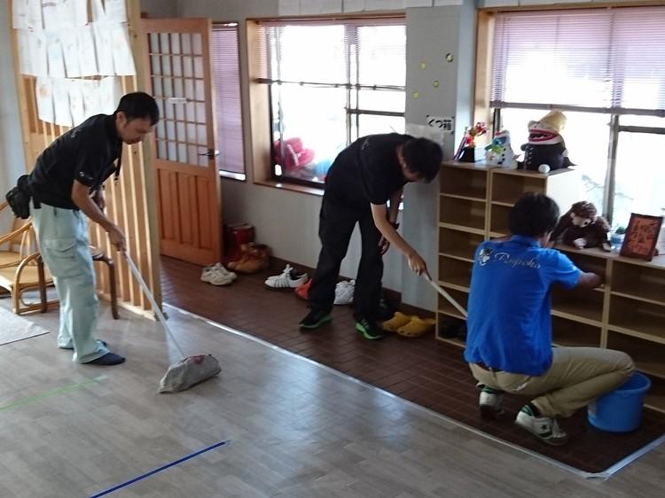 午前8時・・・・・お掃除開始。。。。_f0065444_837246.jpg