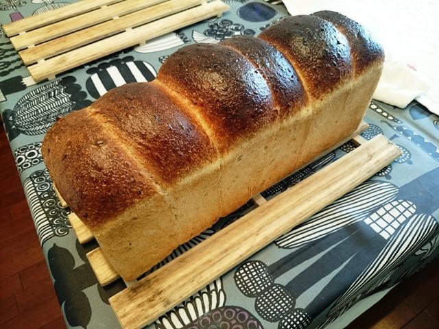 食パンも奥が深いです_e0167593_1472590.jpg