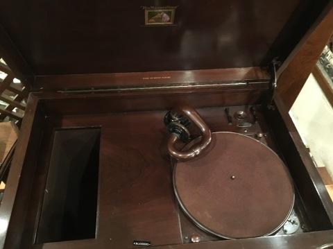 サウンド展の新着蓄音器:HMV158_a0047010_20395119.jpg